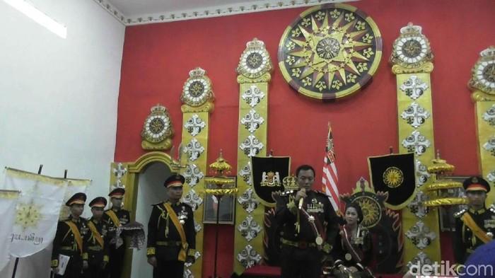 Foto: Suasana Keraton Agung Sejagat di Purworejo saat raja dan ratunya belum ditangkap polisi. (Rinto Heksantoro/detikcom)