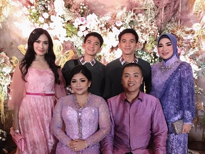 Seputar Keluarga Haji Isam yang Baru Gelar Lamaran Mewah/Foto: Instagram