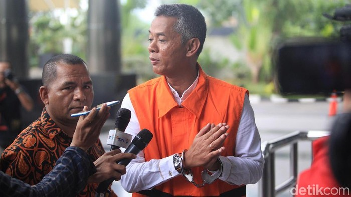 Komisioner KPU Wahyu Setiawan ditetapkan sebagai tersangka KPK (Foto: Ari Saputra/detikcom)