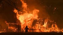 Seperti Lautan Api: Foto-foto Australia Sebelum dan Sesudah Kebakaran
