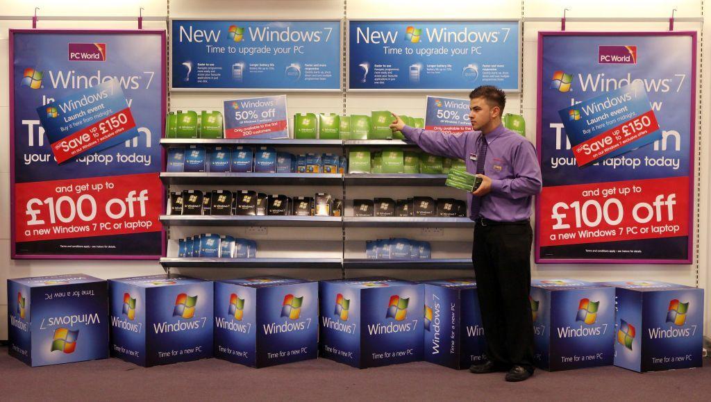 Persiapan sebelum peluncuran Windows 7 di Amerika Serikat, menjelang tanggal 22 Oktober 2009. Foto: Getty Images