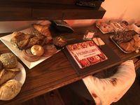 Nyamm! Nginap di Hotel Unik Ini Bisa Makan Donat, Bagel dan Pastry Sepuasnya
