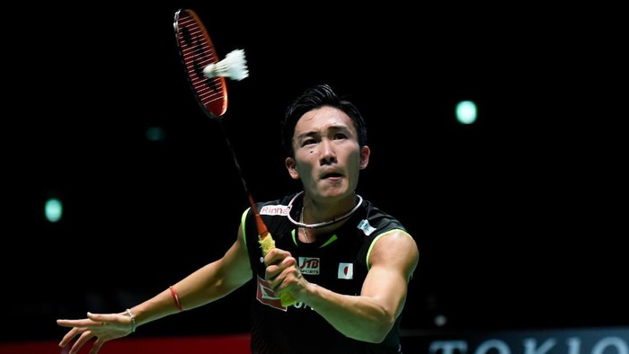 CHOFU, JAPAN - JULY 28: Kento Momota of Japan competes in the Mens Singles Final against Jonatan Christie of Indonesia on day six of the Daihatsu Yonex Japan Open Badminton Championships, Tokyo 2020 Olympic Games test event at Musashino Forest Sport Plaza on July 28, 2019 in Chofu, Tokyo, Japan. (Photo by Matt Roberts/Getty Images)