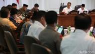 Jokowi Kumpulkan Menteri Bahas UU Omnibus Law