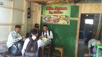 Mie Ayam Rp 2.000 Bisa Dinikmati di Warung Mbak Atik