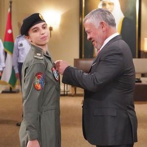 Putri Raja Yordania Cetak Sejarah Sebagai Pilot Militer Wanita Pertama di Negaranya