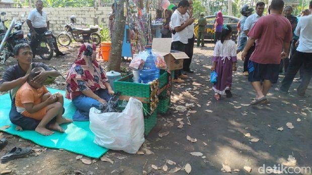 Makin Ramai! Pasar Tiban Muncul di Areal Keraton Agung Sejagat