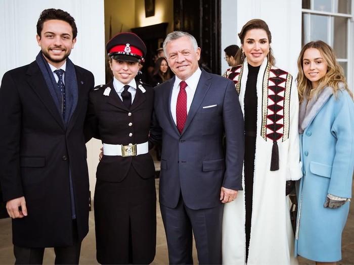 Keluarga Raja Abdullah II. Foto: instagram @queenrani.