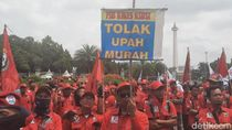 Serikat Buruh Demo di Dekat Istana Tolak Omnibus Law