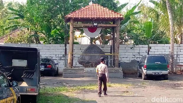 Keraton Agung Sejagat di Purworejo.