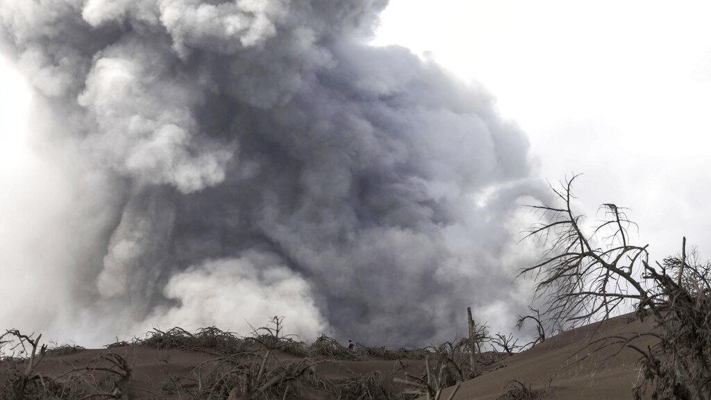 Gunung Api di Filipina Kembali Semburkan Abu Vulkanik