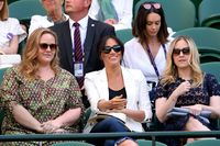 Meghan Markle bersama rekannya di Wimbledon 2019.