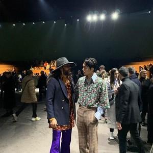 Adu Gaya Stylish Kai EXO yang Eksis Bareng Jared Leto di Milan Fashion Week