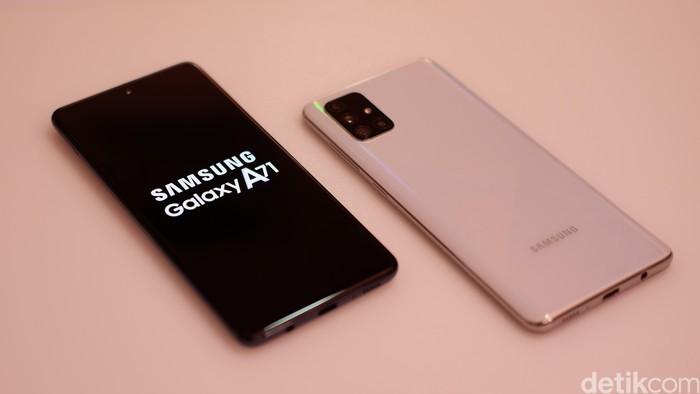 Samsung Galaxy A71. Foto: Adi Fida Rahman/detikINET