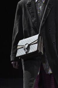 Tren Tas Pria Gucci 2020, Mirip Kotak Makan Sampai Bergaya Feminin