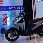 Honda Rilis Tampang Baru Skutik Terlaris Dunia Honda BeAT