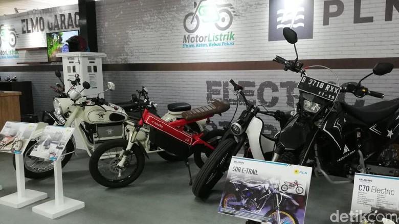 Pameran motor listrik di kantor pusat PLN Jakarta Foto: Rizki Pratama