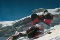Jasad manusia di Death Zone di Everest