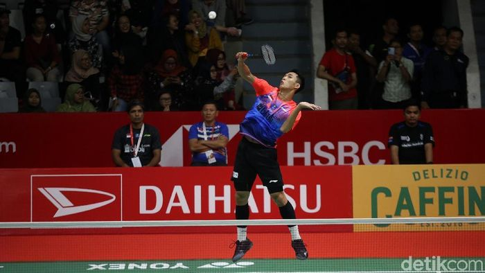 Jonatan Christie senang suporter Daihatsu Indonesia Masters 2020 ramai meski pertandingan berlangsung hingga larut malam (Foto: Agung Pambudhy)