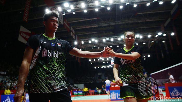 Praveen Jordan/Melati Daeva Oktavianti melaju ke perempatfinal Indonesia Masters 2020 setelah mengalahkan Lee Yang/Yang Ching Tun dengan skor 20-22, 21-12, 21-12 di Istora Senayan, Jakarta, Kamis (16/1/2020).