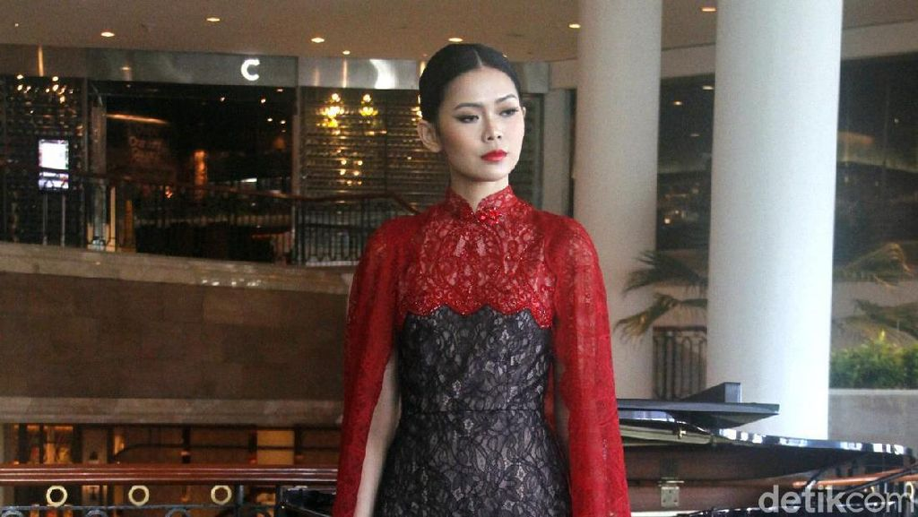 Imlek 2020, Ini 10 Gaun Cheongsam Modern dari Sebastian Gunawan