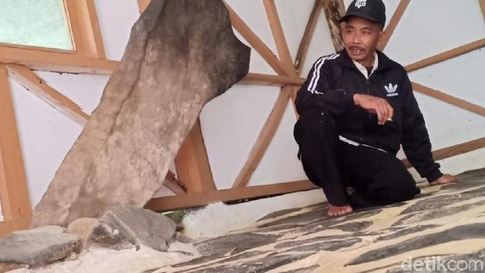 Foto: Penampakan Batu Kujang di Lembang, Bandung Barat (Yudha Maulana/detikcom)