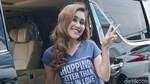 Penampilan Seksi Mandy Moore yang Bikin Suaminya Bangga