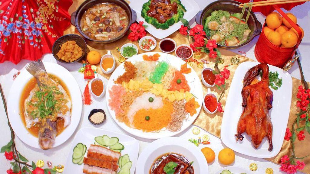Menu Spesial Imlek 2020 di Holiday Inn Kemayoran: Yu-Sheng & Peking Duck
