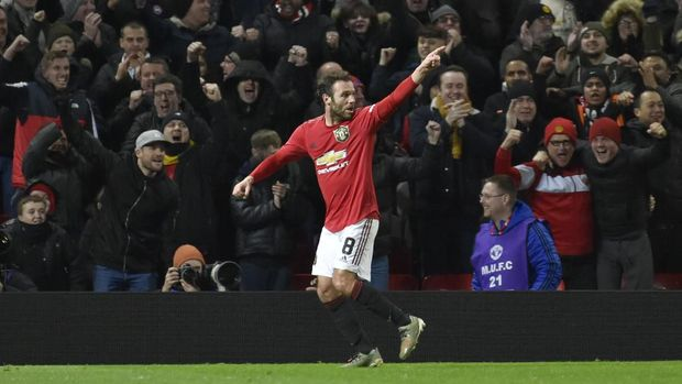Juan Mata cetak satu-satunya gol kemenangan MU atas Wolverhampton. (