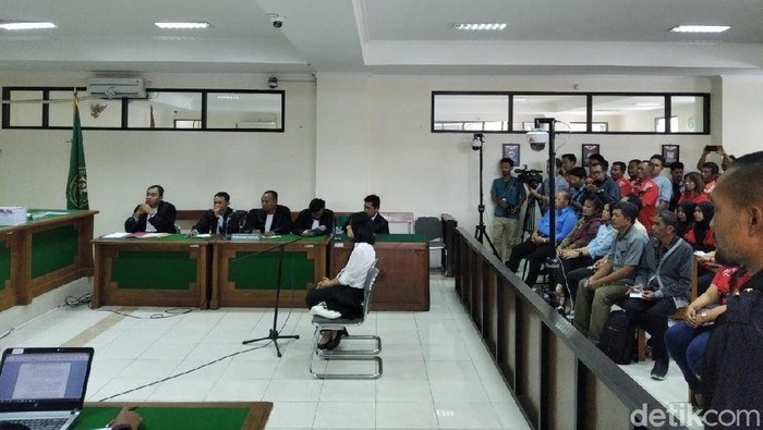 Foto: Kontraktor Solo penyuap jaksa Eka Safitra dan jaksa Satriawan Sulaksono divonis 1,5 tahun bui (Usman Hadi-detikcom)
