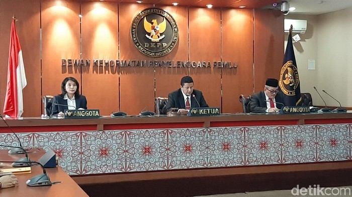 DKPP menggelar sidang kode etik Wahyu Setiawan (Lisye Sri Rahayu/detikcom)