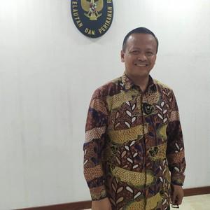Menteri KKP Edhy Prabowo Koleksi Batik Motif Ikan Arwana hingga Koi