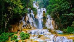 Segarnya Air Terjun Kuang Si di Luang Prabang