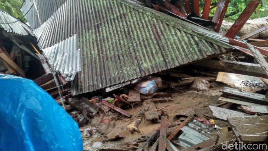 Banjir Bandang di Tanah Datar Sumbar, 5 Rumah dan Satu Mobil Rusak