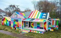 Seniman Sulap Rumah Kumuh Jadi 'Kedutaan Pelangi'