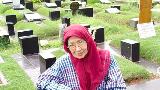 Air Mata Iringi Prosesi Pemakaman Ade Irawan