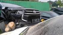 Truk Timpa Mobil di Rest Area Tol Cipularang, 1 Orang Terluka