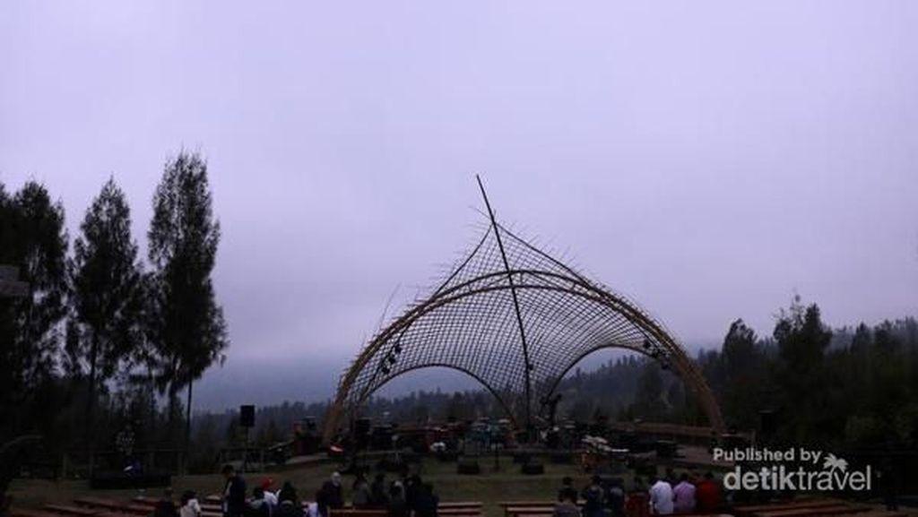 Momen Jazz di Atas Gunung Bromo yang Amat Membekas