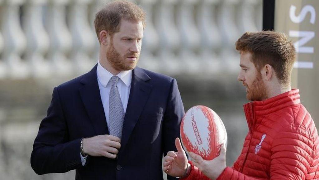 Penampilan Perdana Pangeran Harry di Publik Usai Mundur dari Kerajaan