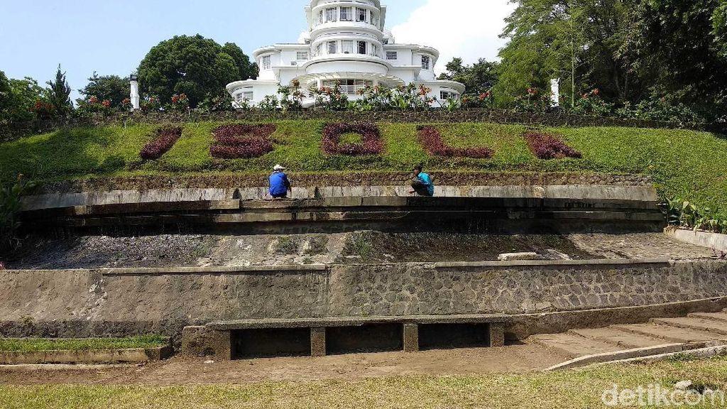Ini Taman Isola UPI yang Dijadikan Tempat Upacara Sunda Empire