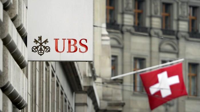 Foto ilustrasi: UBS, Bank di Swiss yang jadi klaim tidak benar bahwa bank ini menjadi tempat penyimpanan harta raja-raja Nusantara. (Fabrice Coffrini/AFP)