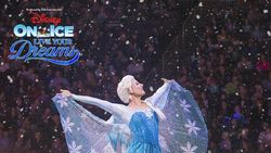 Disney on Ice Bawa Tangga Besar Elsa Frozen