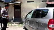 Pasangan Mesum dalam Mobil di Mal Solo, Panik Kepergok dan Tabrak Satpam