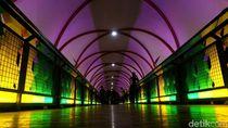 Warna-warni JPO Pasar Minggu di Malam Hari