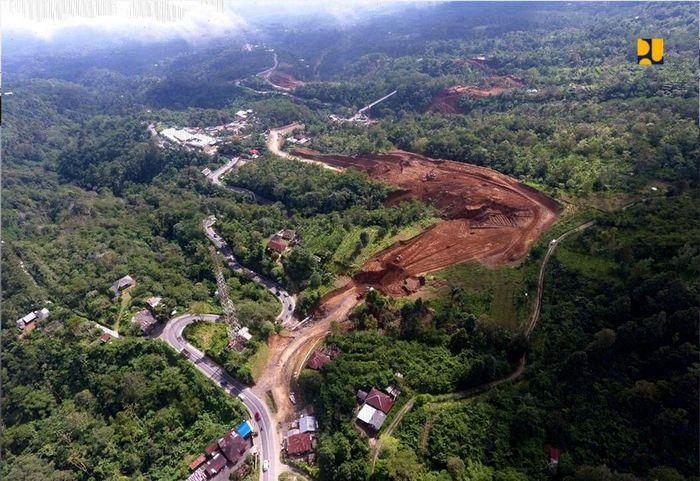 Jalan pintas tersebut akan memperpendek jarak tempuh dari Denpasar ke Singaraja dari 3 jam menjadi 2 jam dengan mengurangi jumlah kelokan yang ada.