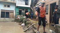 Banjir Terjadi di Rawajati Jaksel, Rumah Warga Kemasukan Air
