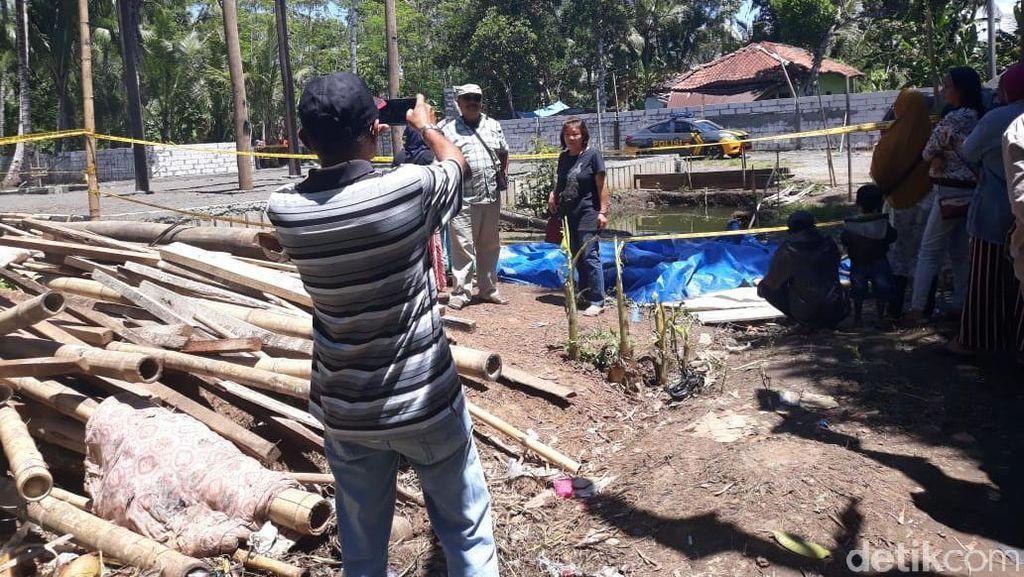 Dear Turis Keraton Agung Sejagat, Boleh Foto-foto Tapi...