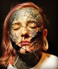 Penampilan Nadine, wanita yang 90% tubuhnya dipenuhi tato