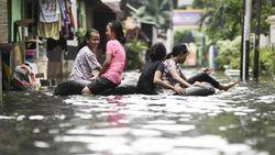 Begini Penampakan Banjir di Kebayoran Baru