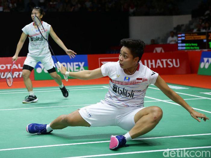 Greysia Polii/Apriyani Rahayu melaju ke final Daihatsu Indonesia Masters 2020. Mereka lolos usai menyingkirkan Kim So Yeong/Kong Hee Yong (Korea Selatan).